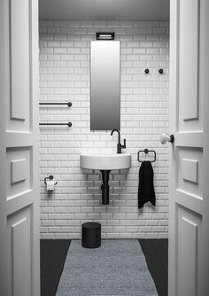 Decor Walther Basic handdoekstang 38cm - mat zwart kopen?   Woldring Toilet, Vanity, Bathroom, Luxury, Decor, Dressing Tables, Washroom, Flush Toilet, Powder Room