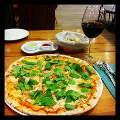 Pizza şarap