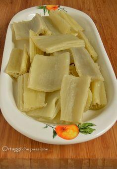Cardo, cottura in bianco, CARDI Cardo cooking, recipe Italian Recipes, Feta, Cheese, Fruit, Cooking, Bella Vista, Pane, Contouring, Gastronomia