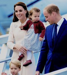 The Duke and Duchess of Cambridge with their children Prince George and Princess Charlotte wave as they leave from Victoria Harbour to board a seaplane on the final day of their Royal Tour of Canada on October 1, 2016 in Victoria,...
