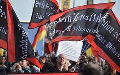 """""""Merkel muss weg!"""" –  Rechte Demonstration in Berlin mit starken Gegenprotesten"""