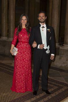 El príncipe Carlos Felipe tuvo ocasión de presumir de su prometida, Sofía Hellqvist, ante las principales autoridades suecas.