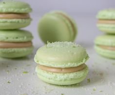 Macarons with white chocolate and lime