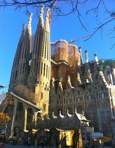 Gaudi's most famous building - La Sagrada Familia, Barcelona Unusual Buildings, Famous Buildings, Interesting Buildings, Barcelona Tourist Attractions, Oh The Places You'll Go, Places To Visit, London Dreams, Famous Architecture, Spain And Portugal