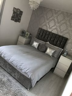 Wallpaper bedroom - 38 dreamy master bedroom ideas and designs you must see 12 Small Master Bedroom, Gray Bedroom, Master Bedroom Design, Teen Bedroom, Master Bedrooms, Bedroom Decor Wallpaper, Bedroom Themes, Bedroom Designs, Modern Bedroom
