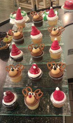 Christmas cupcakes - I love the reindeer ones!
