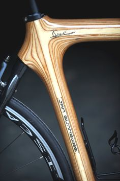 I'm not a Roady but I can still appreciate the perfection :) Wooden Bicycle, Wood Bike, Bicycle Art, Velo Design, Bicycle Design, Paris Roubaix, Bmx Bikes, Cycling Bikes, Bici Fixed