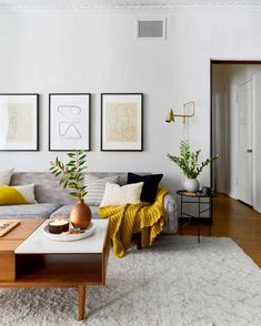 Mid Century Modern Living Room, Eclectic Living Room, Living Room Designs, Living Room Decor, Living Room Shelving, Living Room Ideas, Living Room Colors, Home Living, Fashion Room