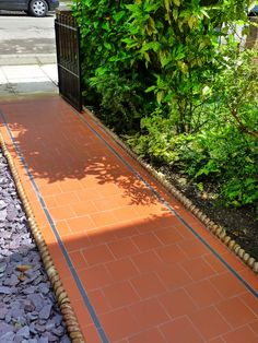 Quarry Tile Victorian Front Path with black strips metal gate, slate chippings South East London Contact anewgarden for more information Victorian Front Garden, Victorian Gardens, Victorian Terrace, Victorian Tiles, Front Garden Path, Front Path, Garden Paths, Quarry Tiles, Path Ideas
