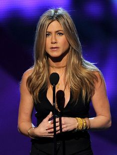Jennifer Aniston Long Straight Cut - Jennifer Aniston Looks - StyleBistro