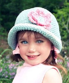 """Girl Crotchet Cloche"" #crochet   SOOOOO Cute!!! @Jon'n'Amber Cline"