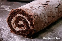 Mary Berry's gluten free Chocolate roulade! It's flour-free, so extremely light in texture, but has a high cocoa content so tastes super rich and delicious. Great British Bake Off, British Bake Off Recipes, British Desserts, Gluten Free Baking, Gluten Free Desserts, Dessert Recipes, Frosting Recipes, Baking Recipes, Flourless Chocolate