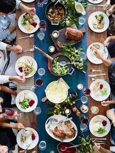 Party Planner: Friendsgiving with Sunday Suppers