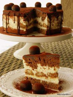 Tort Tiramisu din categoria Prajituri. Cum sa faci Tort Tiramisu Jacque Pepin, Tiramisu Cake, Something Sweet, Chocolate Cake, Yummy Food, Sweets, Healthy, Ethnic Recipes, Desserts
