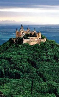 #Hohenzollern_Castle in #Germany http://en.directrooms.com/hotels/country/2-5/