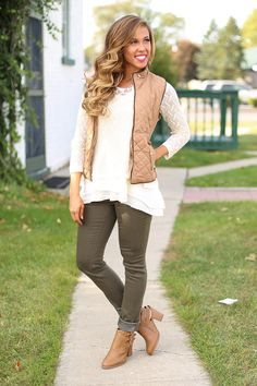 Fall in Love Puffer Vest in Taupe - RESTOCKED