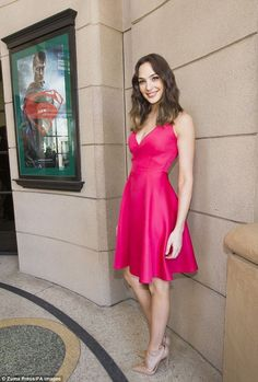 Gal Gadot Stunning Fashion Style Ideas 20