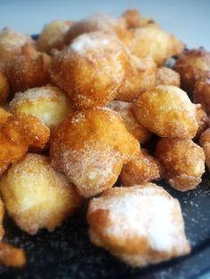 Buñuelos sin gluten de Maizena.   http://frivolidadesdelkioscodelparque.blogspot.com.es/2013/06/bunuelos-sin-gluten-de-maizena.html