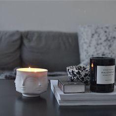Hos @camillasrum lyser Jonathan Adler ljuset så fint. Doftljuset och så mycket mer hittar ni hos oss på homebysweden.se #homebysweden #jonathanadler