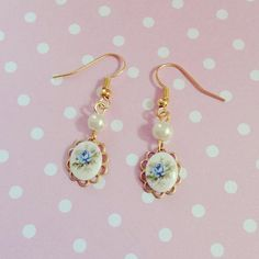 Vintage gold earrings by TheLittleWonderland on Etsy, $6.00