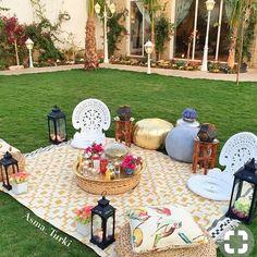 As salam alaykoum les Imanettes comment allez vous ? Alors qui a décoré sa maison à l'occasion de Ramadan qui arrive ? ici, je prepare avec mon petit garcon une petite décoration avec guirlande fait maison inchallah :) Des bises #ramadan #deco #jardin #marocain #ambiance #decoration