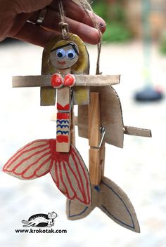 Mermaids from wooden clothespins and clams Craft Activities For Kids, Diy Crafts For Kids, Projects For Kids, Fun Crafts, Arts And Crafts, Summer Camp Crafts, Camping Crafts, Mermaid Crafts, Wooden Clothespins