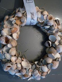Sea shell wreath.