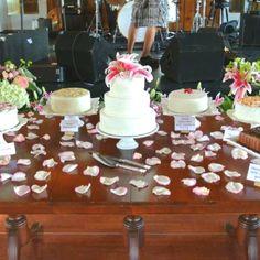 wedding cake table display