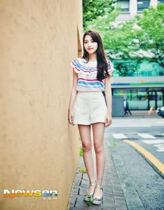 Embedded Wrong Love, Nice Legs, Korean Actresses, Beautiful Legs, Sexy Body, Ulzzang, Mini Skirts, Diet, Actors