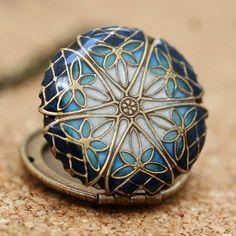 Very pretty blue design.