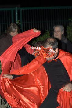 Els dimonis a l'escena dels pastorets. Edició de l'any 2011 Red Leather, Leather Jacket, Jackets, Fashion, Scene, Studded Leather Jacket, Down Jackets, Moda, Leather Jackets