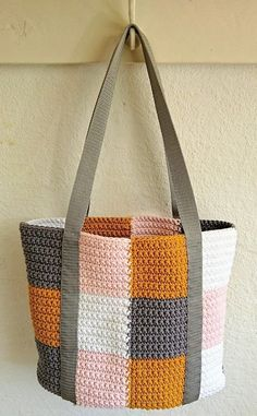 Crochet Bag Pattern Free Easy Handbags Lion Brand Ideas For 2019 Free Crochet Bag, Crochet Purse Patterns, Crochet Shell Stitch, Crochet Tote, Crochet Handbags, Crochet Purses, Knit Crochet, Knitting Patterns, Crochet Ideas