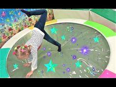 Алиса играет с девочками !! Классная ДЕТСКАЯ ПЛОЩАДКА Развлечение для детей