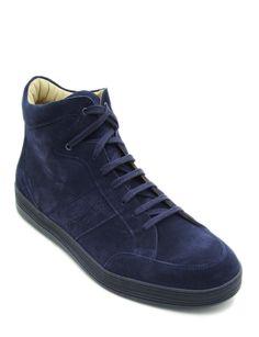 #Sneaker alta realizzata in morbida pelle scamosciata colore blu. Finiture a vista e colletto rinforzato. Design sportivo dal look capace di esaltare uno stile comodo e pratico. #MadeInItaly #Blake