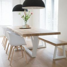 Cool 40 Fascinating Diy Dining Table Design Ideas That Looks Awesome Dinning Table With Bench, Diy Dining Room Table, Dining Table Design, Oak Table, Modern Dining Table, Dining Tables, Dining Rooms, Diner Table, Live Edge Table