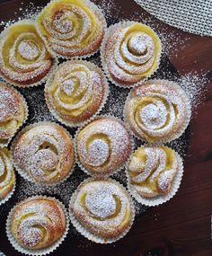 Helpot dallaspullat   Maku Baking Recipes, Cake Recipes, Dessert Recipes, Finland Food, Finnish Recipes, Around The World Food, Cocktail Desserts, Sweet Pastries, My Dessert
