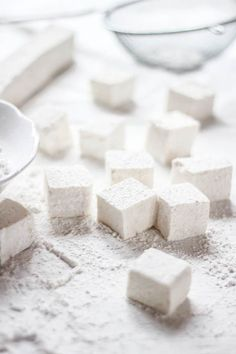 diy marshmallows. corn syrup free, could be made sugar free - theclevercarrot