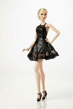 Item # 91333 Black Orchid Vanessa Perrin™ Dressed Doll 2013 Convention Exclusive Centerpiece