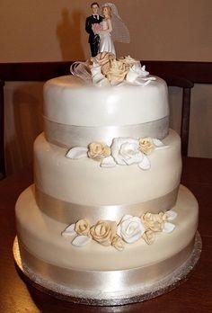 """Képtalálat a következőre: """"barack színű esküvői torta"""""""