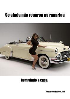 Anúncio de imprensa e mupi para o site de venda de automóveis veiculosclassicos.com.