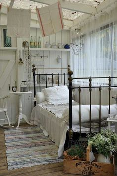 Adorable for a guest cottage!