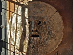 Bocca della verità    Antiga boca duha cisterna de orixe etrusca. Probablemente anterior ao s. IV a.C.