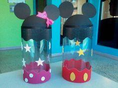 dulceros de Minnie y Mickey mouse reutilizando botellas de plástico Theme Mickey, Minnie Y Mickey Mouse, Fiesta Mickey Mouse, Baby Mickey, Mickey Party, Mickey Mouse Clubhouse, Mickey Mouse Birthday, Miki Mouse, Diy And Crafts