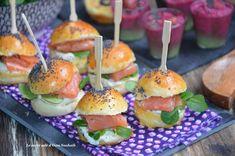 Hamburger Vegetarien, Mini Hamburgers, Mini Sandwiches, Caramel Apples, Salmon Burgers, Tapas, Sushi, Buffet, Snack Recipes