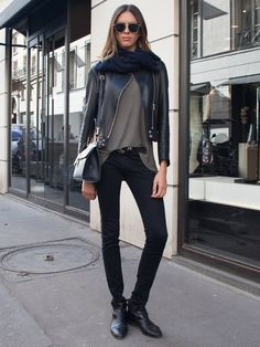 moto & skinnies. Paris.