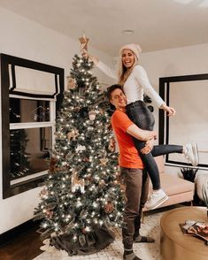 find your sugar baby&daddy Christmas Tree Pictures, Christmas Couple, Christmas Love, Christmas Trees, Christmas Cookies, Christmas Stockings, Christmas Gifts, Christmas Decorations, Relationship Goals Pictures