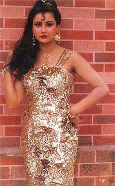 Пунам Дхиллон Beautiful Bollywood Actress, Beautiful Indian Actress, Indian Film Actress, Indian Actresses, Beautiful Celebrities, Beautiful Actresses, Poonam Dhillon, Indian Fashion, Womens Fashion