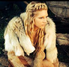 Lagertha from Vikings - amazing braids