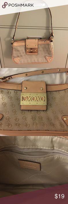 💲XOXO shoulder bag Gently used. XOXO Bags Shoulder Bags