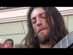 Cel mai bun chitarist din lume!! Merită văzut!!